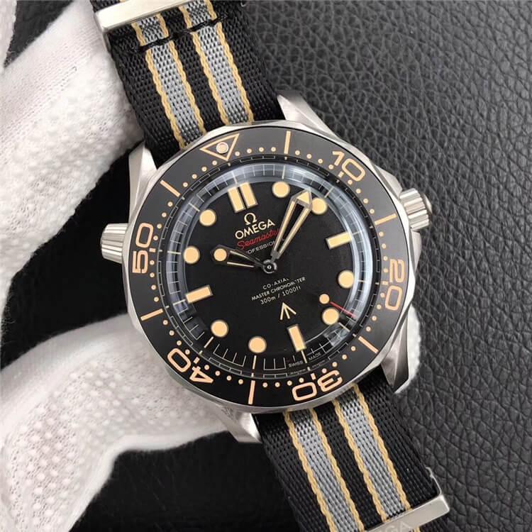 007手表_欧米茄 海马系列 300米潜水表系列 210.90.42.20.01.001(007版腕表)